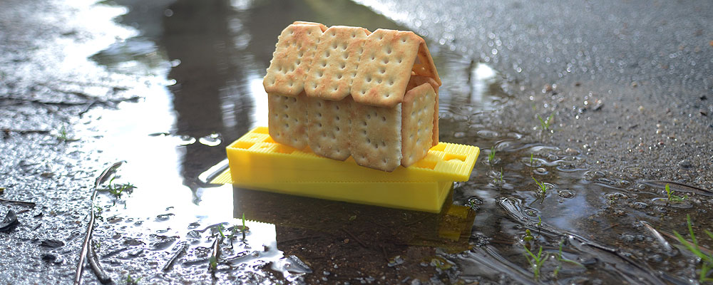 TUC biscuit on wedges in water jets